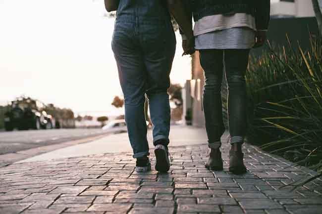 Camminare in compagnia fa bene alla salute